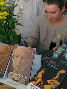 Feria del Libro 12 de junio 2011 - copia